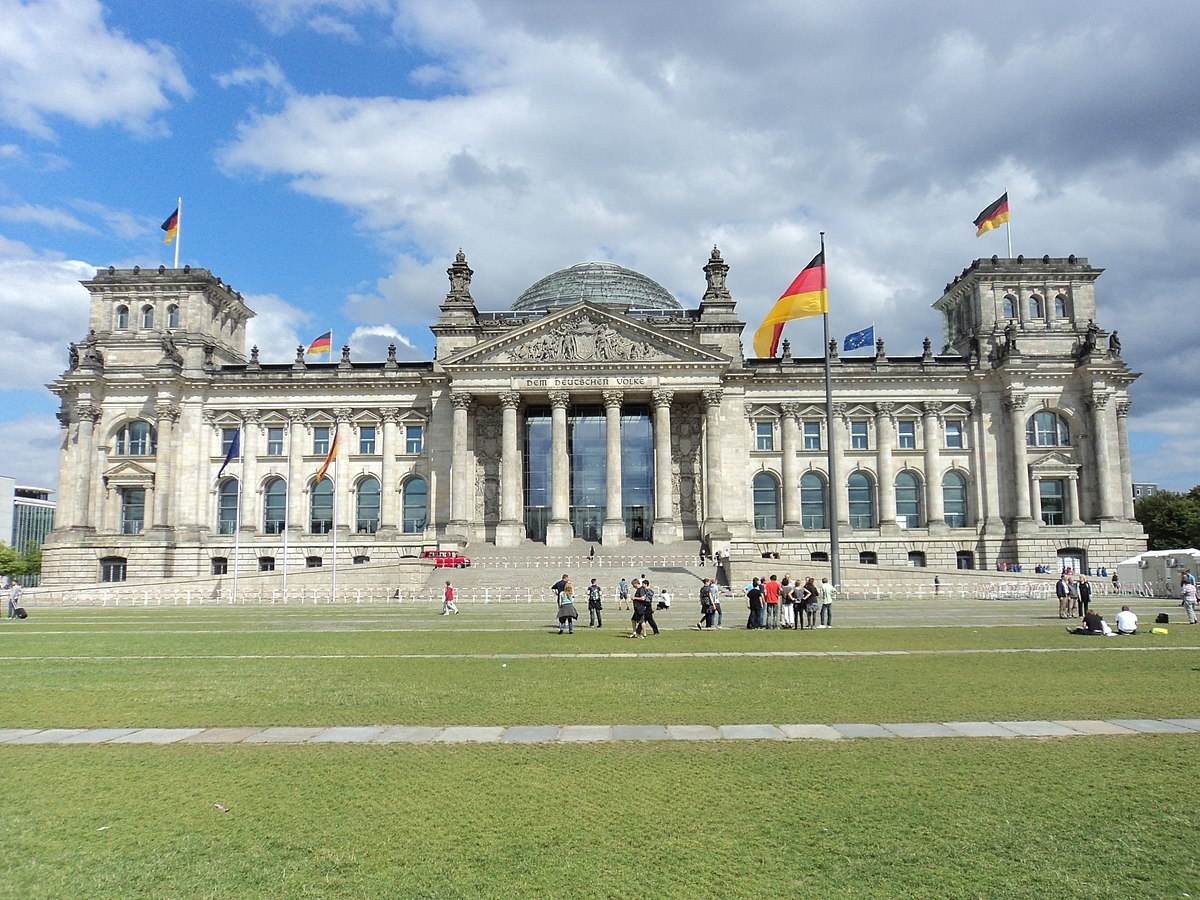 Reichstagsgebäude - Wikimedia Commons  Reichstagsgebä...