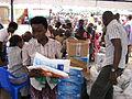 Reparto de mosquiteras y medicamentos en Uganda..jpg