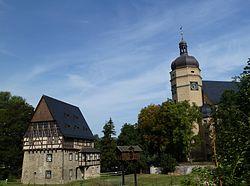 Rittergut, Taubenhaus und Kirche.jpg