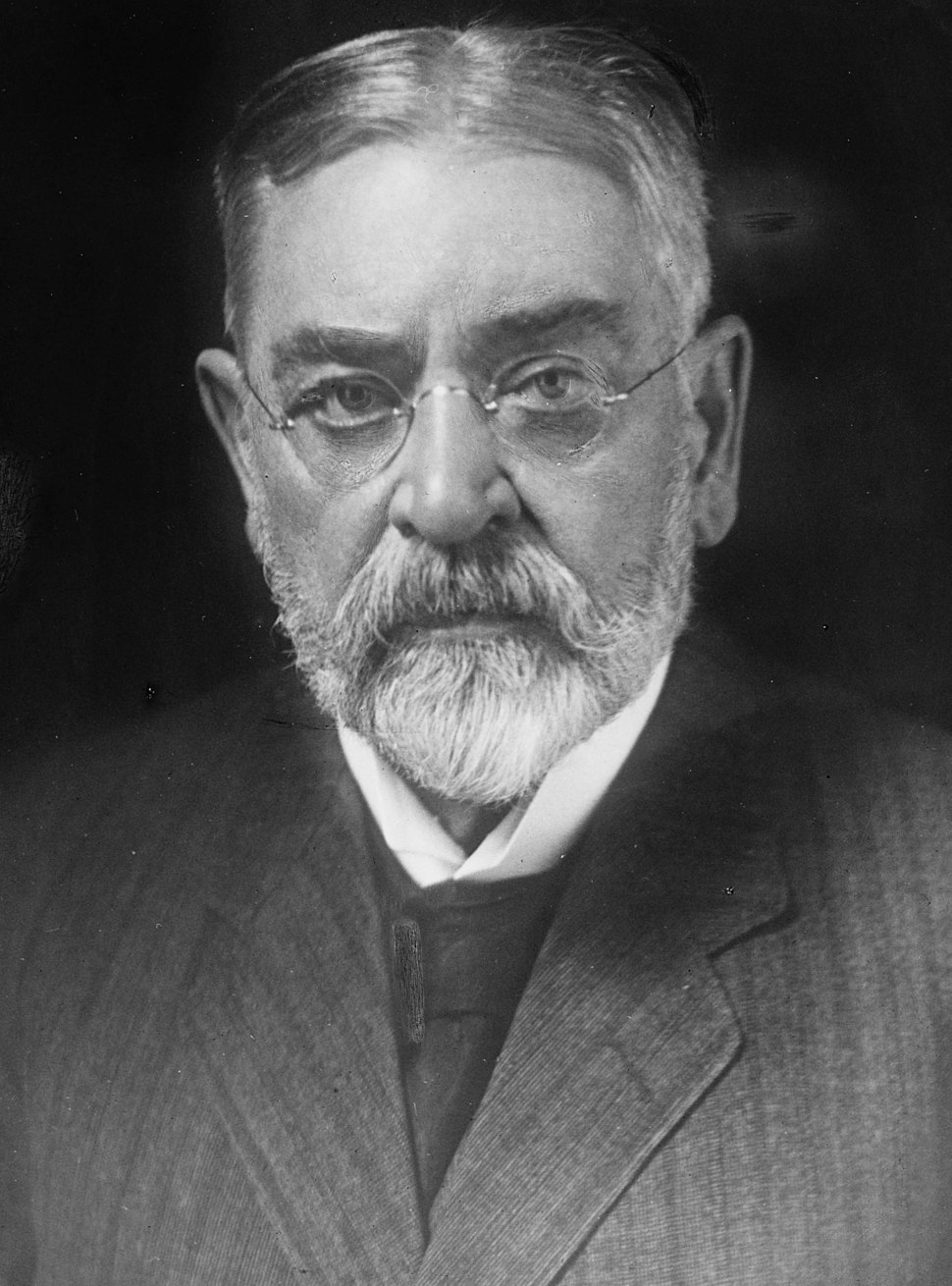 Robert Todd Lincoln - Harris and Ewing