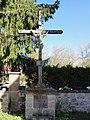 Roche d'Agoux (Puy-de-Dôme) croix de chemin.JPG