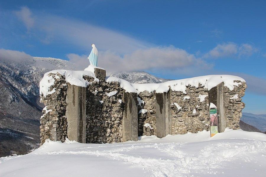 Ruins of the former Castle on the Rocher de Léaz