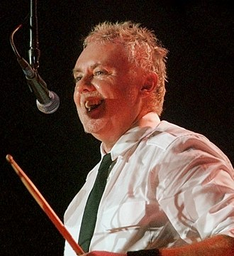 Roger Taylor (Queen drummer) - Taylor performing with Queen + Paul Rodgers in Vienna, 2008.
