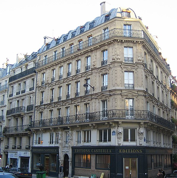 Paris building facade (Image Credit: Wikipedia)