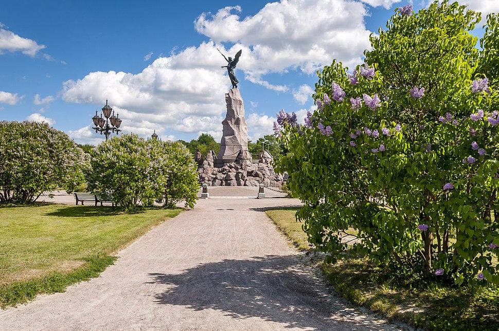 Russalka (monument). 02