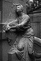 Südfriedhof Grabfigur.jpg