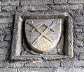 S.miniato, piazza della repubblica, cavalcavia, stemma con spade in decusse.JPG