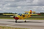 Saab Safari Yellow Sparrows Turku Airshow 2015 04.JPG