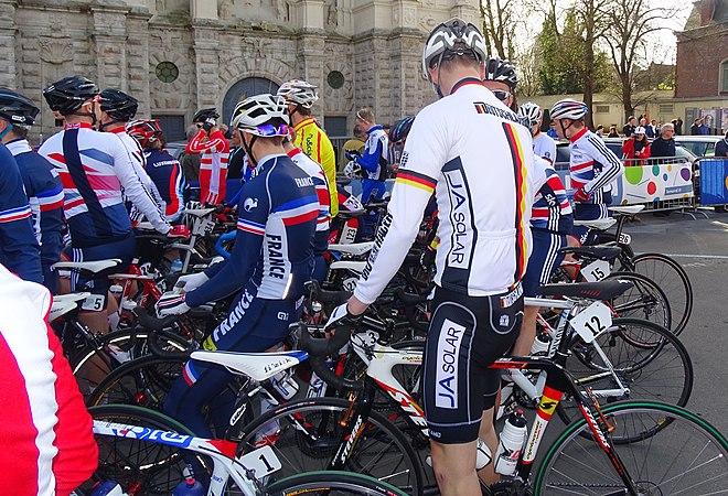 Saint-Amand-les-Eaux - Paris-Roubaix juniors, 12 avril 2015, départ (A52).JPG