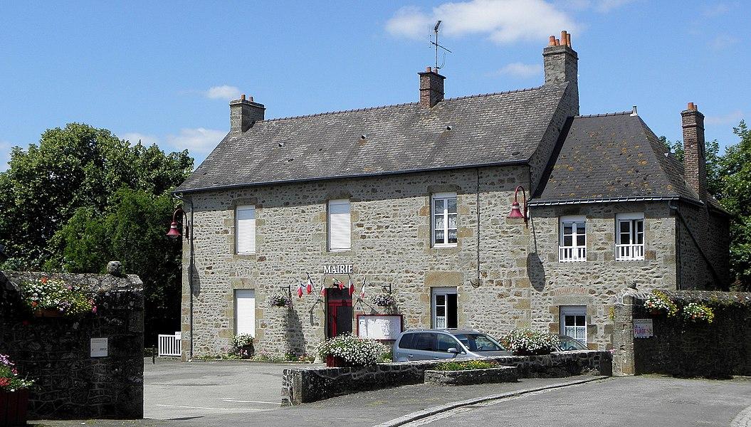 Mairie de Saint-Fraimbault-de-Prières (53).