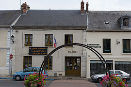 The town hall in Saint-Vrain