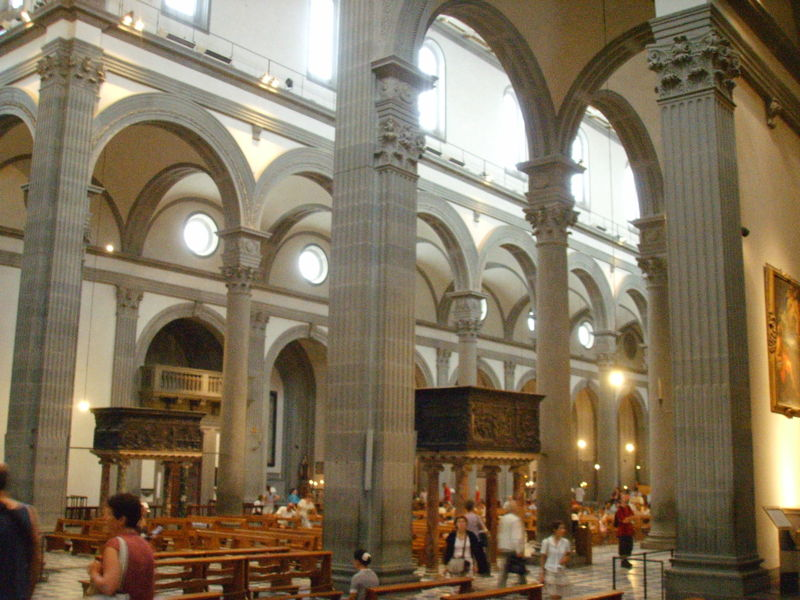 Iglesia de san lorenzo florencia recursos para las for Interior iglesia san lorenzo brunelleschi