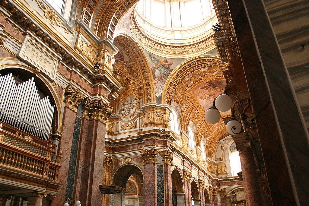 Santi Ambrogio e Carlo al Corso - Crossing Transept and Nave.JPG