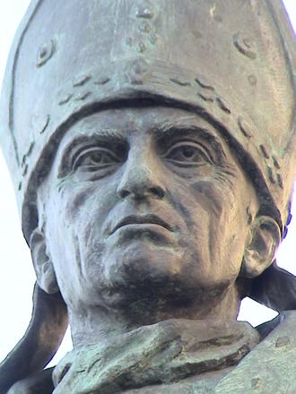 Alfonso Carrillo de Acuña - Archbishop Alonso Carrillo in sculpture Santiago de Santiago in Alcalá de Henares (Spain).