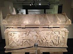 Sarcophage romain de Pergé - Université de Genève 10.jpg