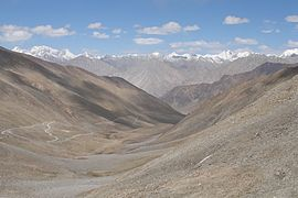 Saser Muztagh from Khardung La 2.jpg