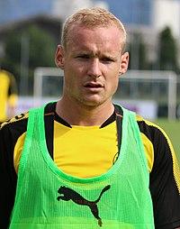 Sebastian Rode BVB (cropped).jpg