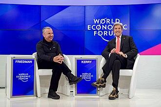 Thomas Friedman - Friedman and U.S. Secretary of State John Kerry at the World Economic Forum in Davos, January 17, 2017