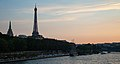 Seine at Sunset (32719758531).jpg