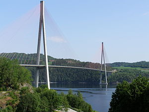 Skarnsund Bridge - The bridge seen from the Mosvik side