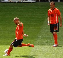 Wesley Sneijder - Wikipedia 300dc8e1a0712