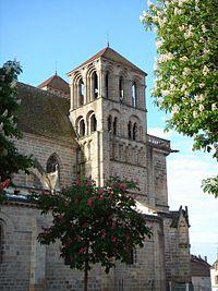 Souvigny Eglise Prieurale Clocher.jpg