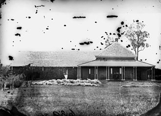 Ormiston, Queensland - Image: State Lib Qld 1 134873 Captain Louis Hope's residence, Ormiston House, Cleveland district, ca.1871
