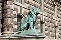 Statue Lion Porte Lions Palais Louvre Paris 2.jpg