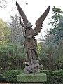 Statue St-Michel (Picpus).jpg