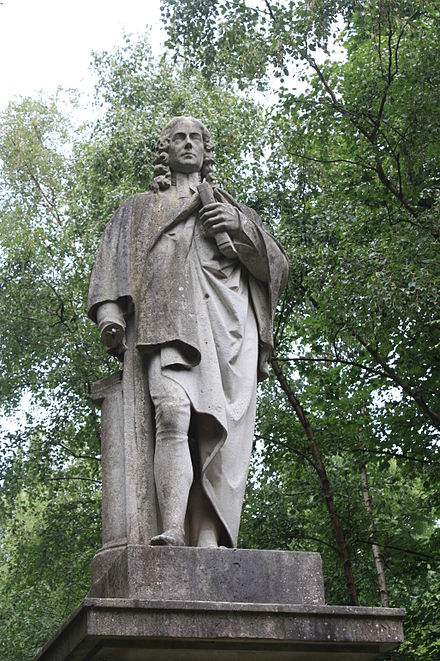 Statue of Isaac Watts, Abney Park Cemetery Statue of Isaac Watts, Abney Park Cemetery.jpg