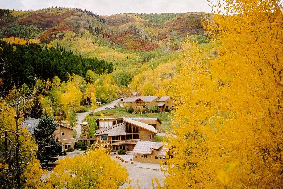 Steamboat Mountain School - Wikipedia