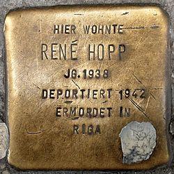Photo of René Hopp brass plaque