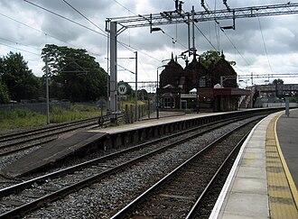 Stone railway station - Image: Stone railway station looking south