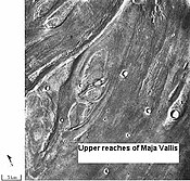 Streamlined islands show that large floods occurred on Mars. (location: Lunae Palus quadrangle).
