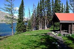 English: Sunburst Lake with Sunburst Ranger Ca...
