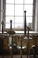 Svärd framför fönster i rustkammaren. Interiör, detalj - Skoklosters slott - 87308.tif