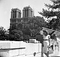 Szajna part a Quai de Montebello-n, háttérben a Notre-Dame. Fortepan 23042.jpg