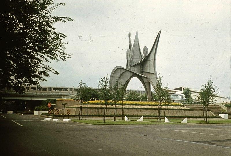 File:Szent Ilona-sziget, az 1967-es Világkiállításra készült Man (L'Homme), Alexander Calder alkotása. Fortepan 73777.jpg