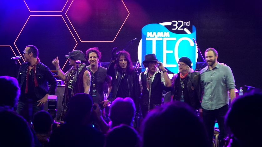 Glen Sobel performs with the Hollywood Vampires at the 32nd TEC Awards at NAMM in 2017. TEC Awards 2017.jpg