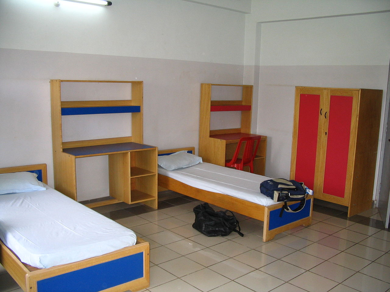 File Tisb Room In The Boys Hostel Jpg Wikimedia Commons