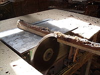 Table saw blade height setting