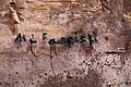 Taggia, via lercari, scritta contro i fascisti.jpg