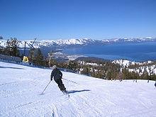 Vista del Lake Tahoe al confine tra California e Nevada