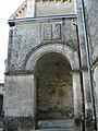 Temple protestant de Souvigné porte d'entrée.JPG