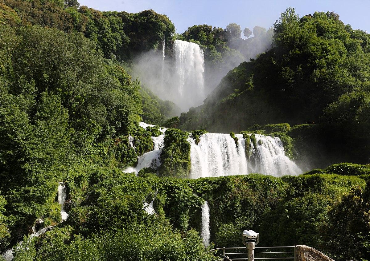 мраморные водопады сполето фото кухне освобождается больше