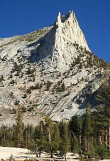 photo of Eichorn Pinnacle on Cathedral Peak