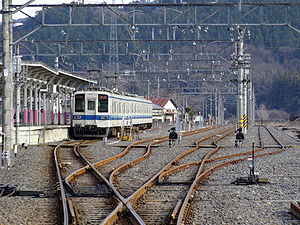 Tobu-kuzuu-station-pricinct.jpg