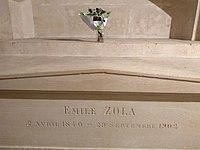 Tomb of Émile Zola in Panthéon.jpg