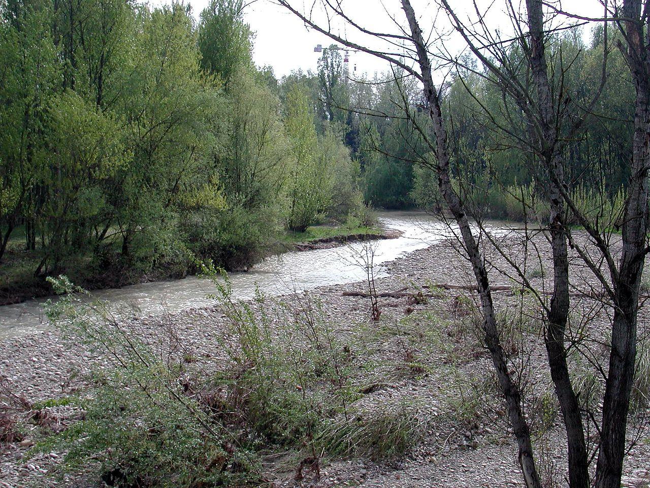 Crostolo river