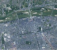 La ville de Tours s'étale entre la Loire et le Cher.